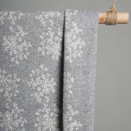 tissu maille gris clair & fleurs brodés x 10cm - Pretty Mercerie - Mercerie en ligne - mercerie pas cher