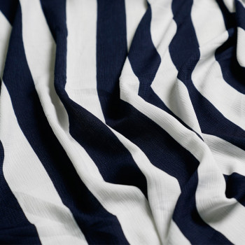 Tissu crêpe rayé bleu et blanc X 10 CM - pretty mercerie - mercerie en ligne - mercerie pas cher
