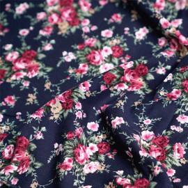 Tissu coton bleu nuit motif bouquet de roses x 10cm