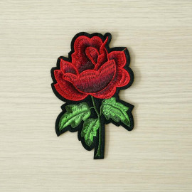 achat Badge brodé rose rouge  - pretty mercerie - mercerie en ligne