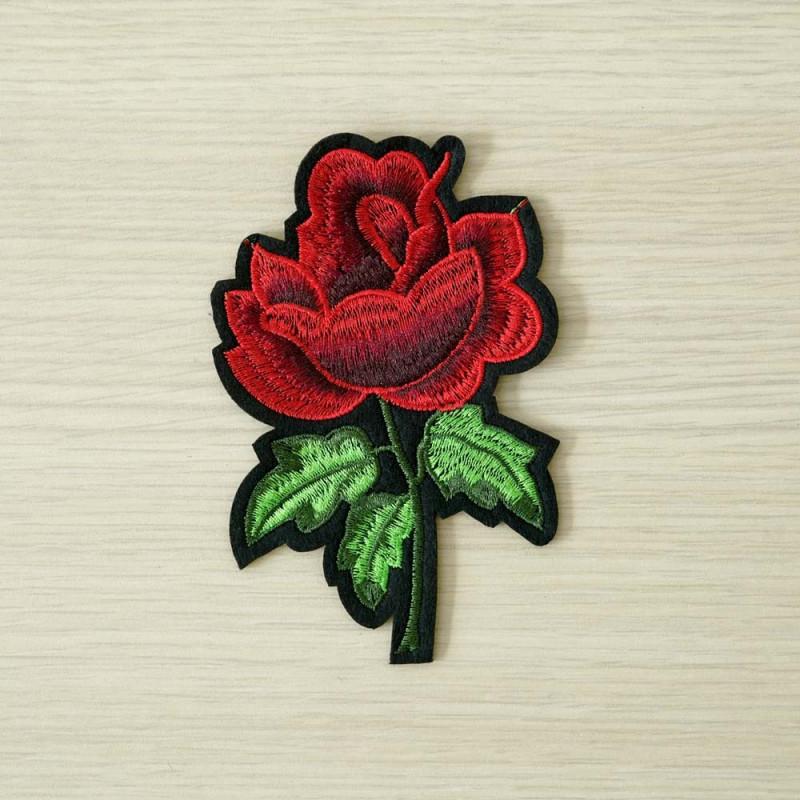 achat Badge brodé rose rouge  - pretty mercerie - mercerie en ligne