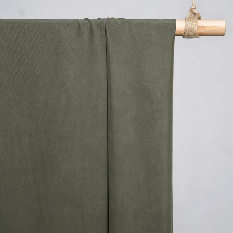 achat Tissu modal vert kaki effet peau de pêche - pretty mercerie - mercerie en ligne