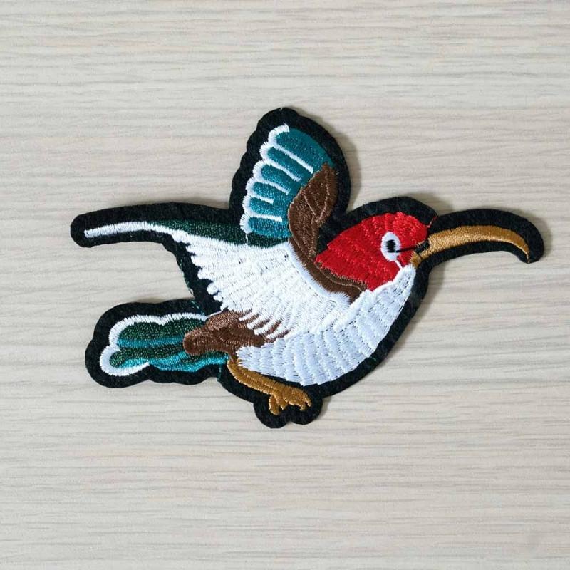 achat Badge brodé motif colibri des îles droite - pretty mercerie - mercerie en ligne