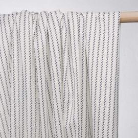 achat tissu coton blanc à motif lignes zig zag  - pretty mercerie - mercerie en ligne