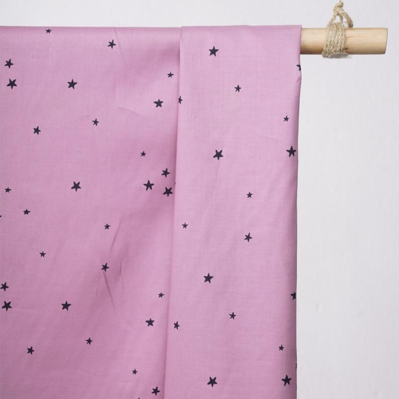 achat tissu coton lilas sergé imprimé étoile noir - pretty mercerie - mercerie en ligne