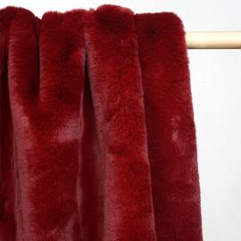 Tissu fausse fourrure rouge grenat x 10cm