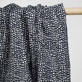 achat tissu coton sergé bleu motif tacheté écru - pretty mercerie - mercerie en ligne