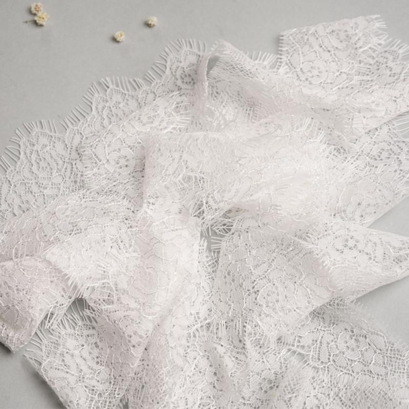 Ruban dentelle à franges motif roses blanches- mercerie en ligne - pretty mercerie
