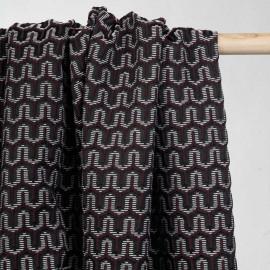 Tissu jacquard bordeaux à motif géometrique noir et blanc - mercerie en ligne - pretty mercerie