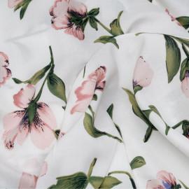 Tissu viscose blanc à motif fleurs roses et vertes x 10 cm