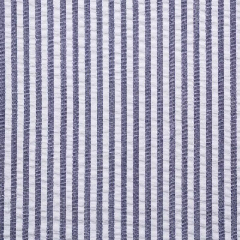 tissu coton seersucker motif ray bleu et blanc pour couture d 39 habits. Black Bedroom Furniture Sets. Home Design Ideas