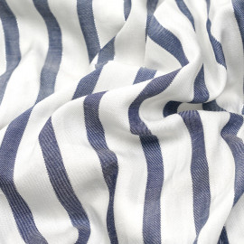 Tissu viscose blanc rayé bleu et fil argent x 10 cm