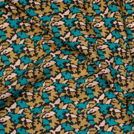Tissu coton noir motif camouflage bleu mosaïque et latté et rose shell x 10cm