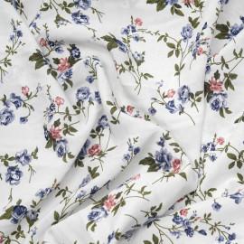 Tissu viscose blanc motif bouquet de roses bleu et rose x 10cm