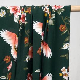 Tissu vert jungle à motif héron et fleurs tropicals - pretty mercerie - mercerie en ligne