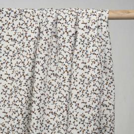 Tissu viscose blanc à motif fleurs bleu et bistre - pretty mercerie - mercerie en ligne