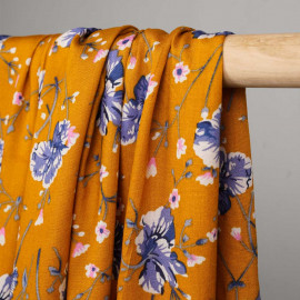 Tissu viscose golden oak à fleurs bleu et rose  - pretty mercerie - mercerie en ligne